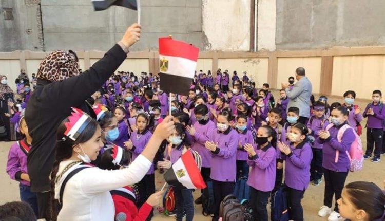 رفع علم فرنسا في مدرسة مصرية يثير ضجة