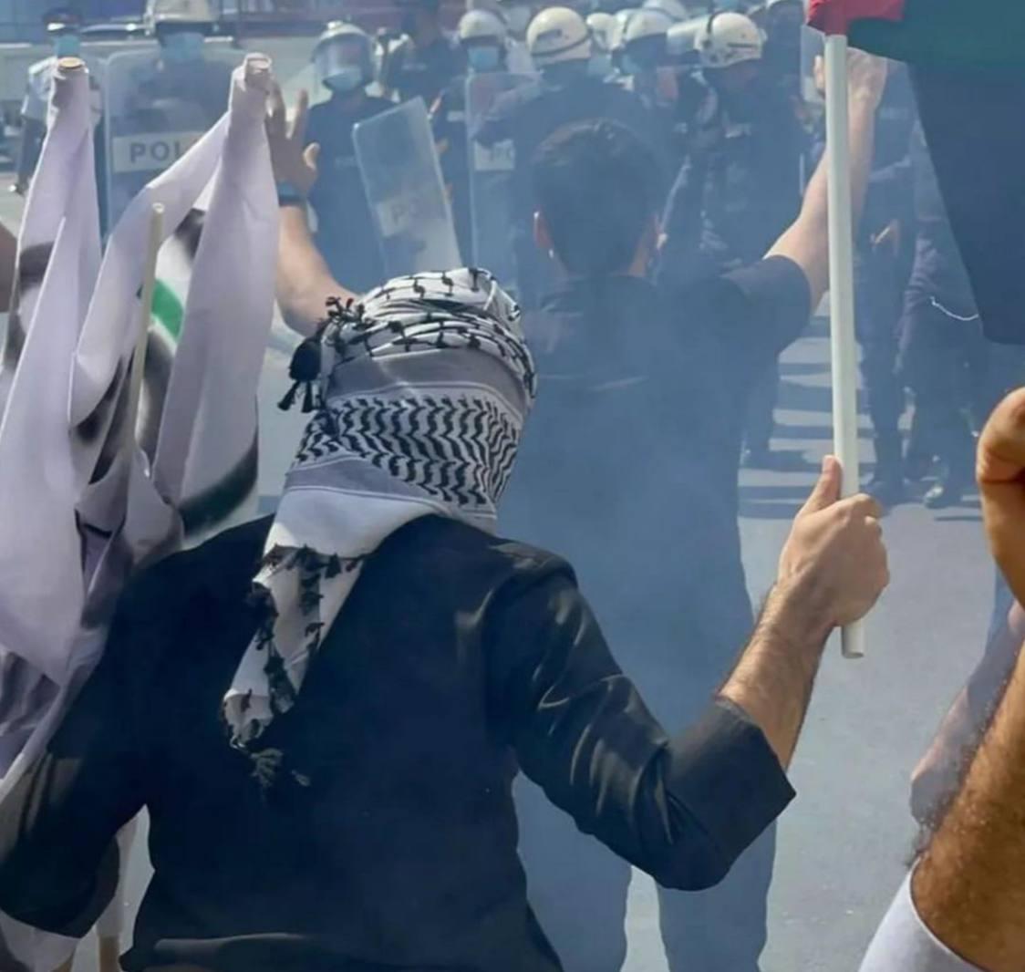 الأمن البحريني يقمع المتظاهرين في محيط السفارة الاسراائيلية بالمنامة